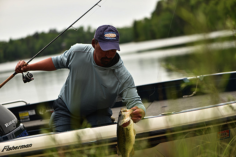 Amateur anglers for bass