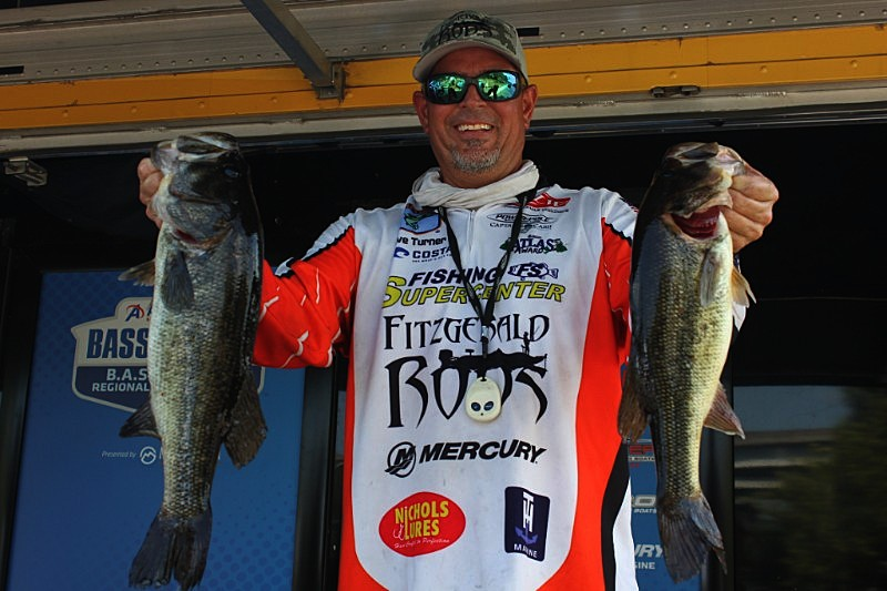 Florida angler grabs early lead in b a s s nation eastern for Bass fishing tournaments in florida